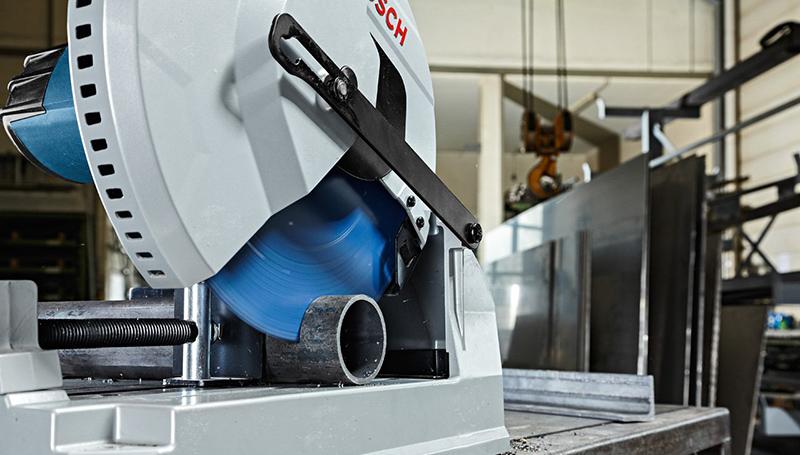 Bosch Professional 0601B28000 GCD 12 JL Scie Tronçonneuse à métal